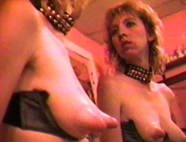 【モンスター乳首】妊娠中な外国人まんさんのおっぱい、存在感がヤバすぎて草wwwwww【画像あり】・16枚目