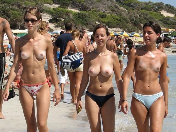 【素人おっぱい】ヌーディストビーチと言われる無料でおっぱい見放題のエロスポット、ただし勃起したらボコボコにされる模様・・・・・(画像あり)・12枚目