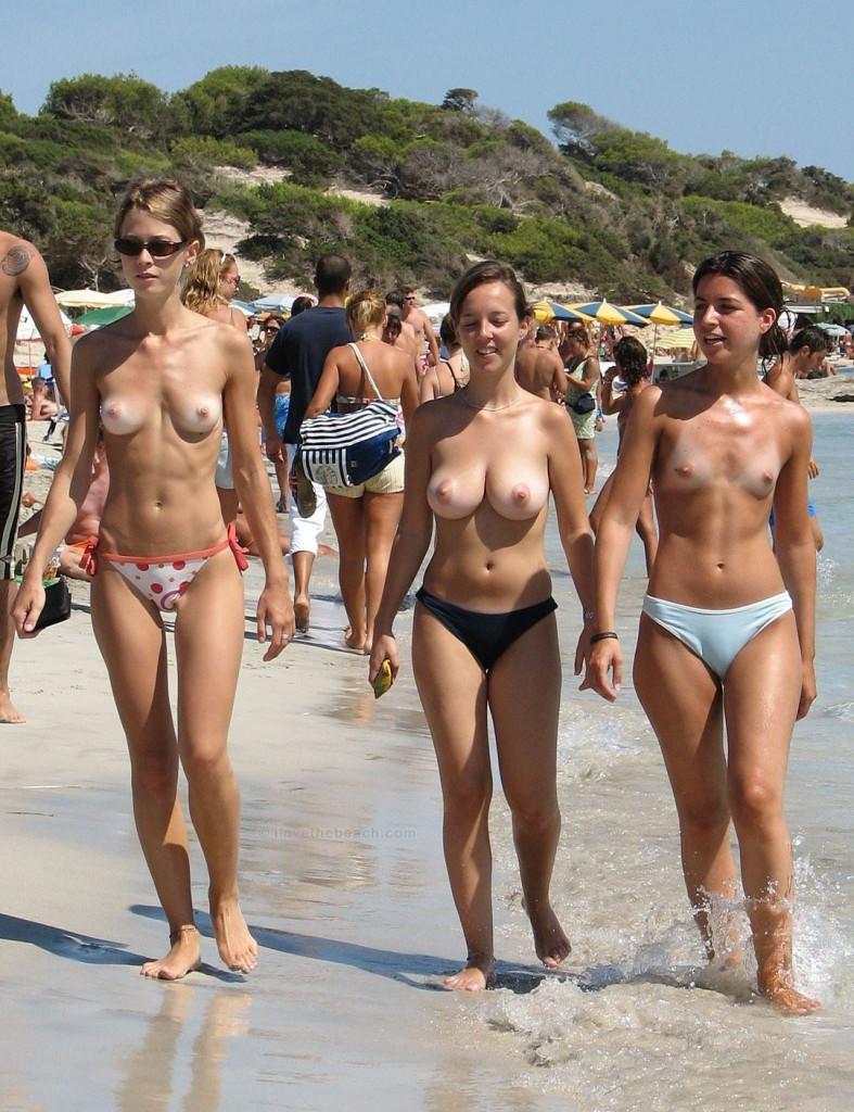 【素人おっぱい】ヌーディストビーチと言われる無料でおっぱい見放題のエロスポット、ただし勃起したらボコボコにされる模様・・・・・(画像あり)・46枚目