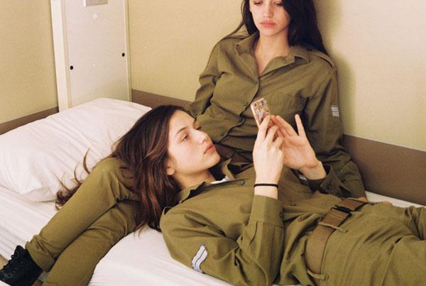 【美人ソルジャー】世界最高レベルな美人兵士が集うイスラエル国軍、これはリアル美人過ぎるソルジャーだろwwwww(画像)・1枚目