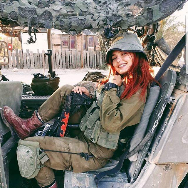 【美人ソルジャー】世界最高レベルな美人兵士が集うイスラエル国軍、これはリアル美人過ぎるソルジャーだろwwwww(画像)・2枚目