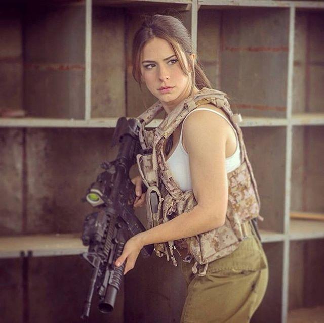 【美人ソルジャー】世界最高レベルな美人兵士が集うイスラエル国軍、これはリアル美人過ぎるソルジャーだろwwwww(画像)・18枚目