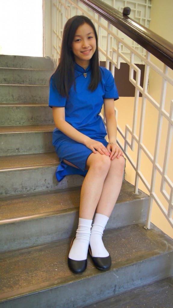 【アオザイ少女】ベトナムのアオザイという清楚なようでエロエロな見た目の民族衣装wwwwwww(画像50枚)・1枚目