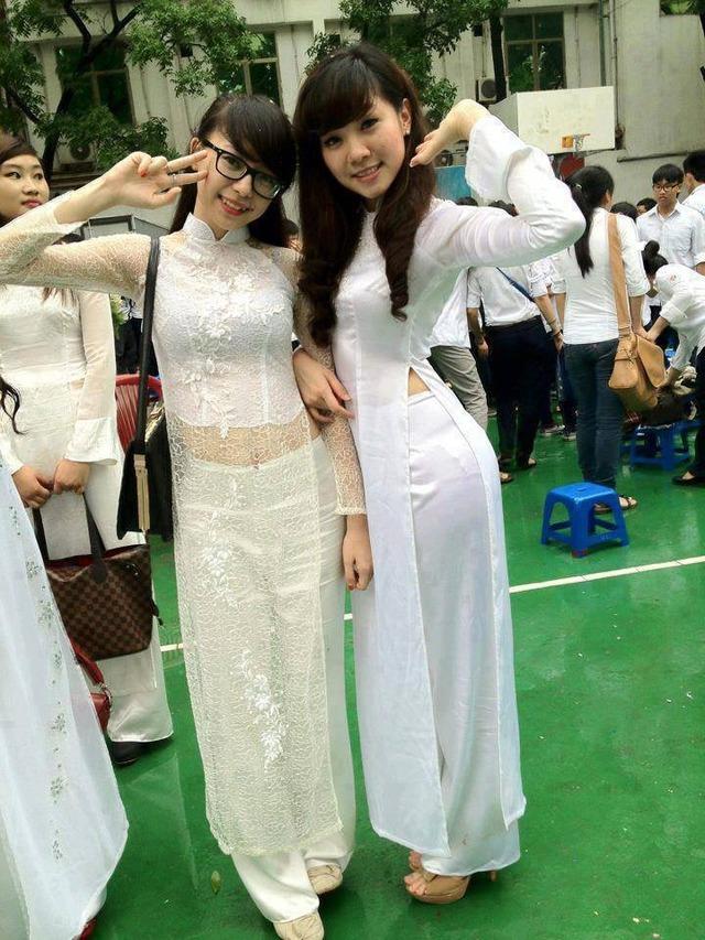 【アオザイ少女】ベトナムのアオザイという清楚なようでエロエロな見た目の民族衣装wwwwwww(画像50枚)・5枚目