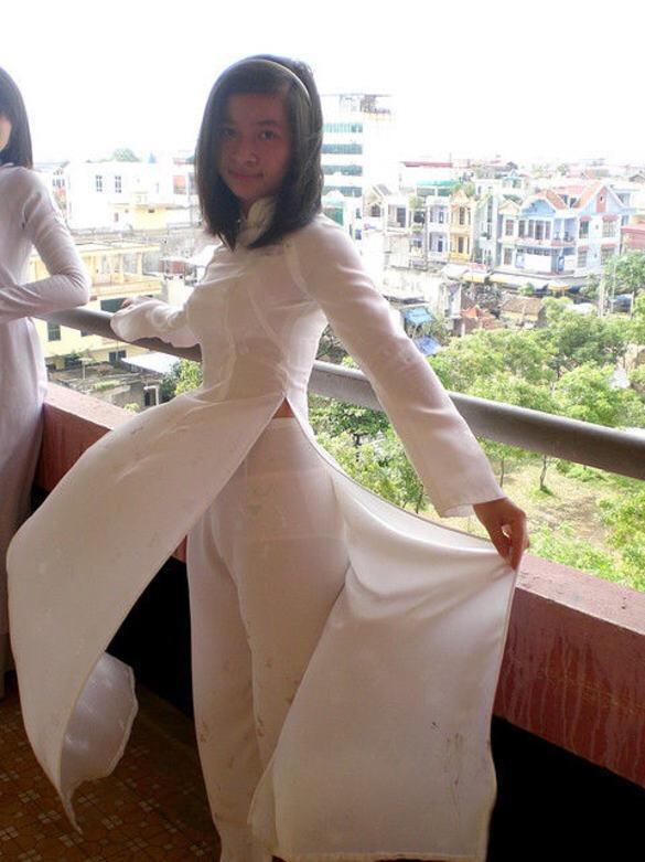 【アオザイ少女】ベトナムのアオザイという清楚なようでエロエロな見た目の民族衣装wwwwwww(画像50枚)・6枚目