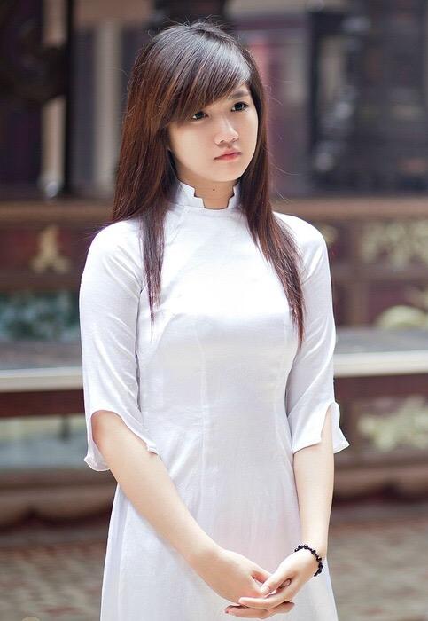 【アオザイ少女】ベトナムのアオザイという清楚なようでエロエロな見た目の民族衣装wwwwwww(画像50枚)・36枚目