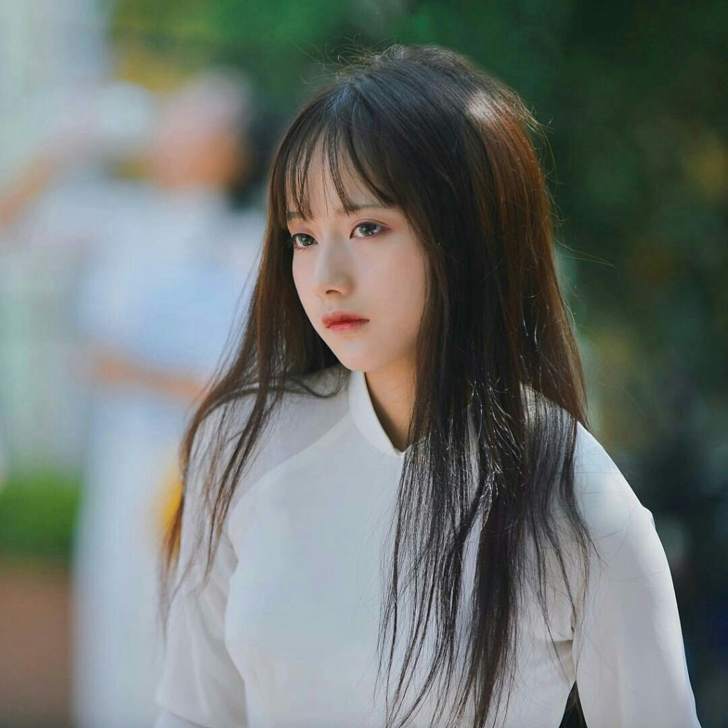 【アオザイ少女】ベトナムのアオザイという清楚なようでエロエロな見た目の民族衣装wwwwwww(画像50枚)・38枚目