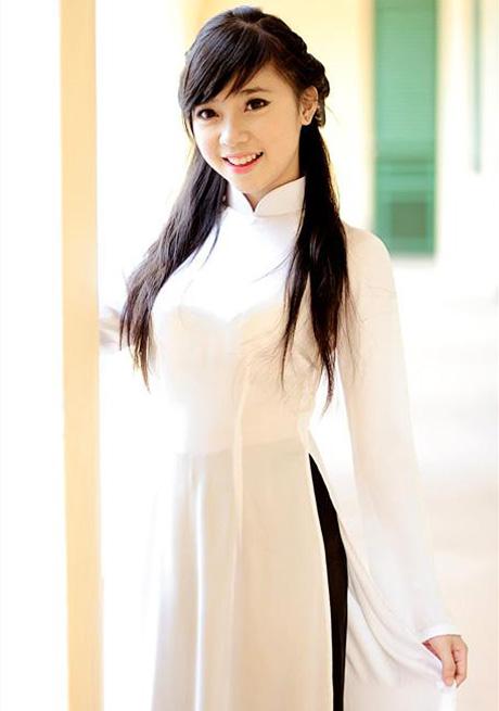 【アオザイ少女】ベトナムのアオザイという清楚なようでエロエロな見た目の民族衣装wwwwwww(画像50枚)・46枚目