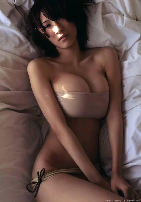 【保存推奨】色白で最高に柔らかそうな白人ロシア系美女のマシュマロおっぱい、揉みた過ぎて草wwwwwww(画像あり)・4枚目
