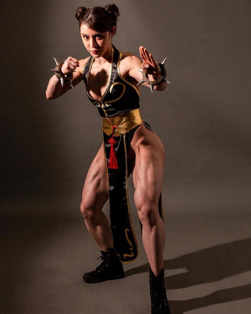 【保存推奨】外国人アスリート系筋肉まんさんのエロ画像、正直力づくで無理矢理犯されたいwwwwww(画像)・13枚目