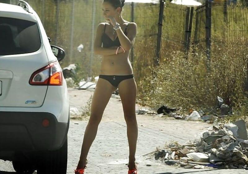 【素人売春婦画像】物価の安い国だとマジで一発数ドルで買える立ちんぼ売春婦さん、こんなん永住不可避だろ!!(画像あり)・6枚目