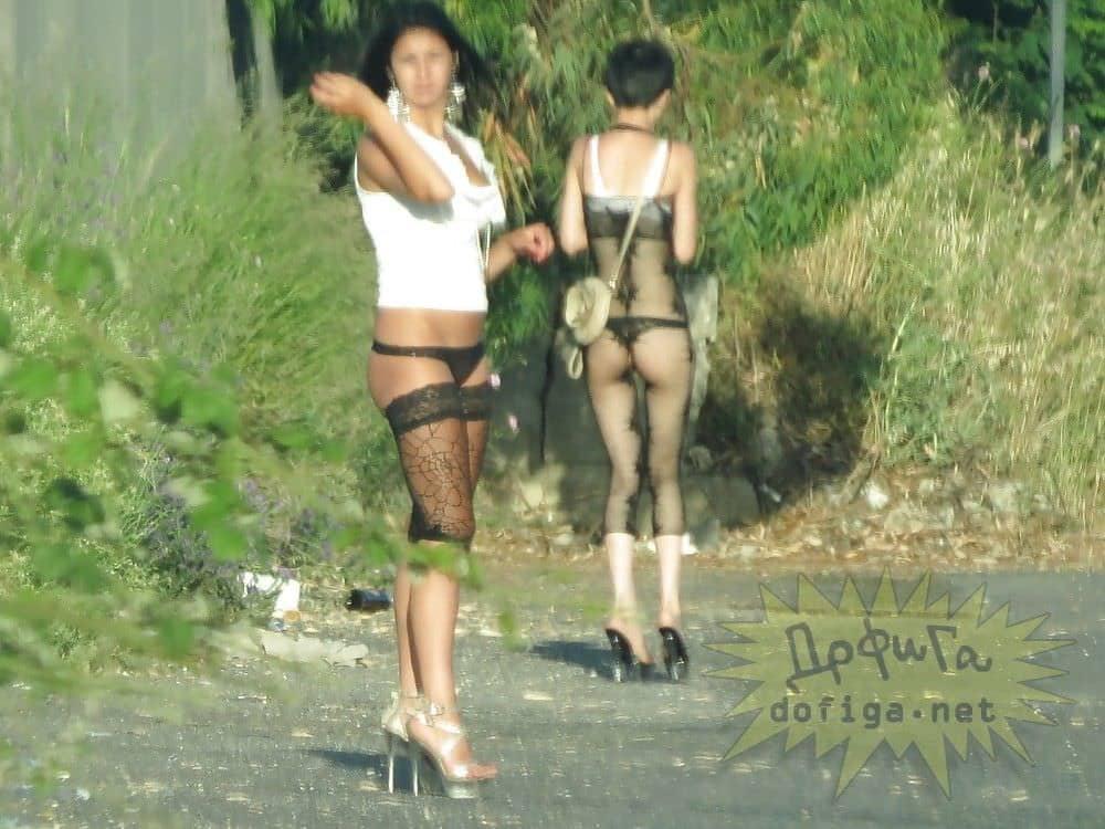 【素人売春婦画像】物価の安い国だとマジで一発数ドルで買える立ちんぼ売春婦さん、こんなん永住不可避だろ!!(画像あり)・27枚目
